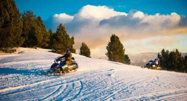 Sortides nocturnes Raquetes de Neu i Motos de Neu Andorra